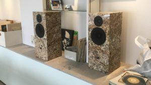 Boxen aus Naturstein