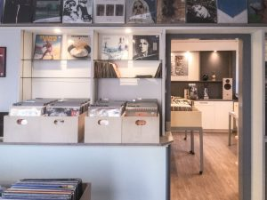Vinyl-Audio-Design-Jettingen-Blick-ins-Geschaeft